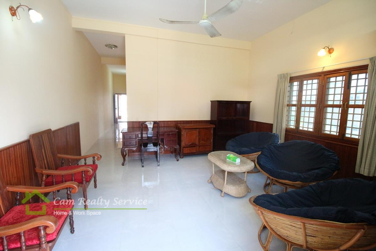 Beong Trabek area| Nice and clean 2 bedrooms town-house available for rent| 450$/month