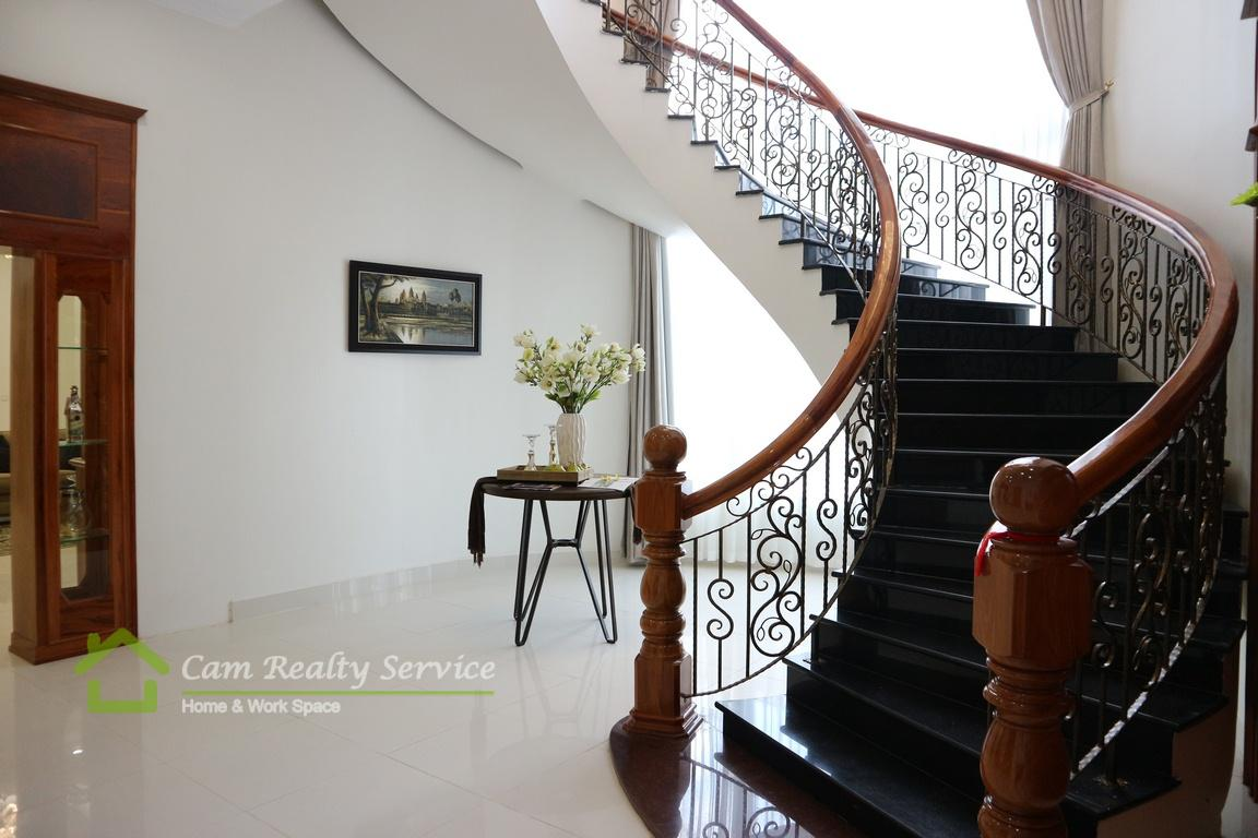 Penthouse serviced apartment for rent in BKK1 Phnom Penh