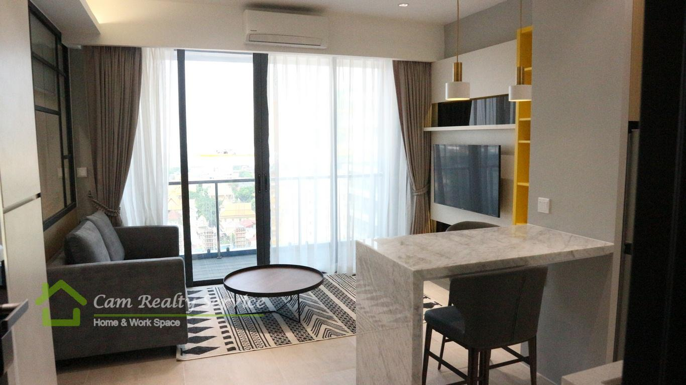 BKK1 area| Western style 1 bedroom serviced apartment available for rent| 800$/month up| Rooftop pool, gym & sky bar