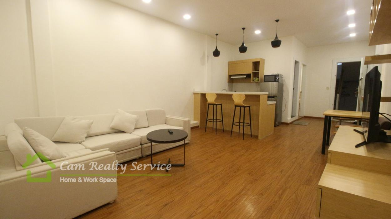 Riverside area Nice town house  2 bedroom 2 bathroom available for rent  650$/month