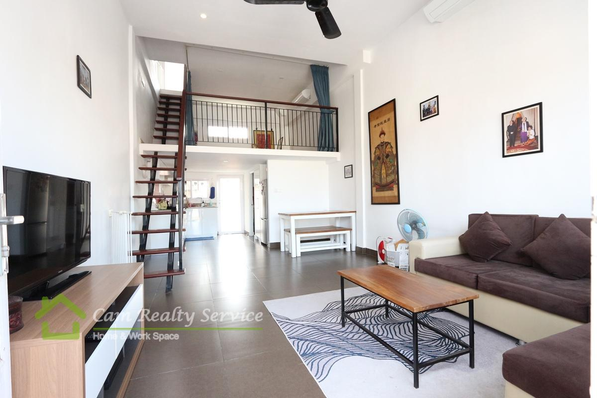 Independence Monument Area Modern duplex style 1 bedroom renovated house for rent 500$/month Phnom Penh